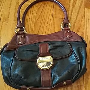 B Makowsky classic satchel
